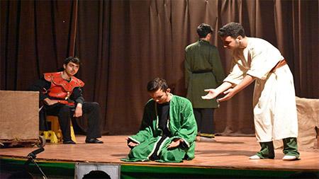 درخشش گروه تئاتر مدرسه دور دوم پسران سما لاهیجان در جشنواره تئاتر این شهرستان