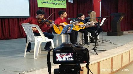 افتخار آفرینی دانش آموزان دبیرستان دوره اول سما لاهیجان در مسابقات فرهنگی هنری آموزش و پرورش این شهرستان