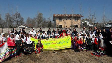 کاشت  62  اصله نهال توسط دانش آموزان مدرسه سبز سما سیاهکل به مناسبت هفته درختکاری