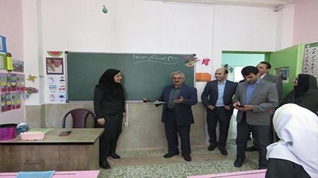 همزمان با آغاز هفته معلم صورت گرفت؛حضور نماینده لاهیجان و سیاهکل در مدرسه سبز سما سیاهکل